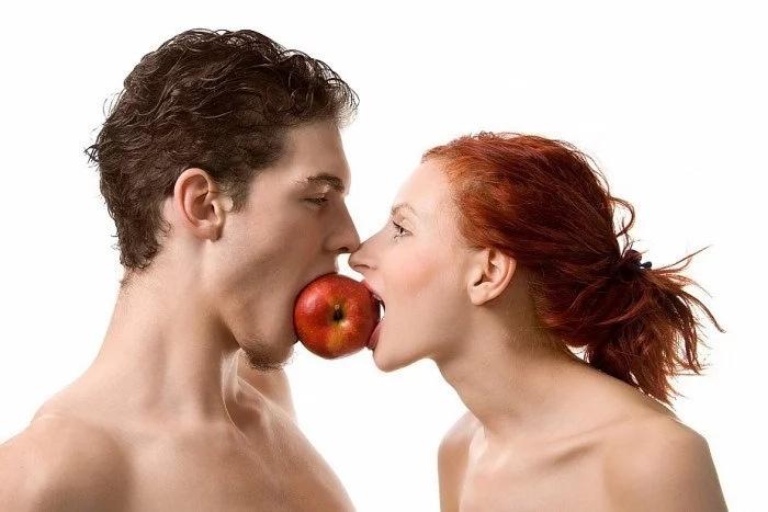 Мужчина который намеренно вызывает сексуальное желание