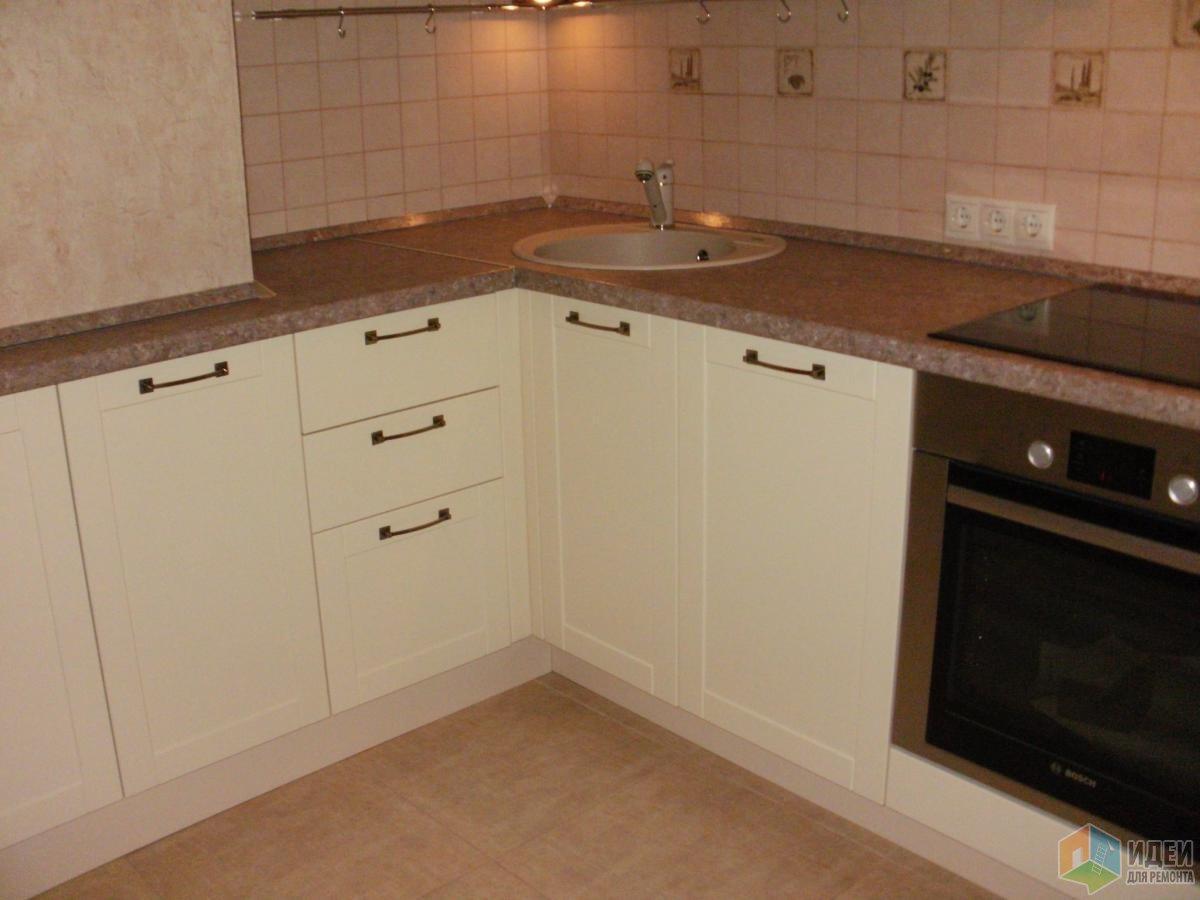 Кухня в доме П44, установка кухонного гарнитура