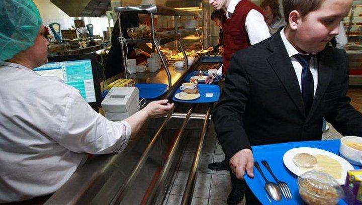 Ребёнка заставили извиняться за публикацию фото школьного завтрака