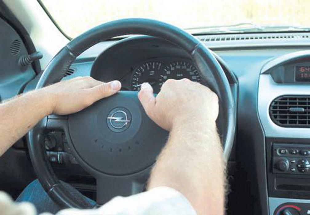как правильно держать руль фото путей