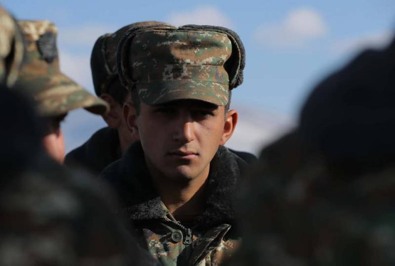 Экс-премьер Армении: 80 процентов нашей армии нет - это разгром