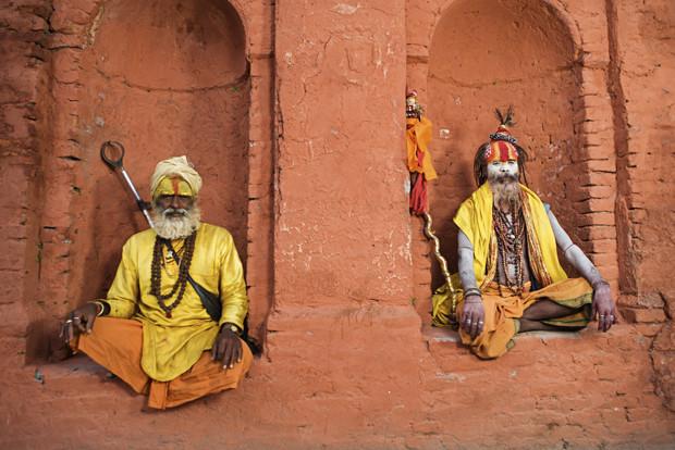 Дорого Йога невероятно разнообразна. Вам совсем не обязательно снимать все наличные деньги и двигать в Индию, чтобы постигать основы основ у первого встречного брахмана. Хотите начать заниматься? Youtube в помощь. Кроме того, практически в каждом городе существуют бесплатные начальные курсы йоги — было бы желание.