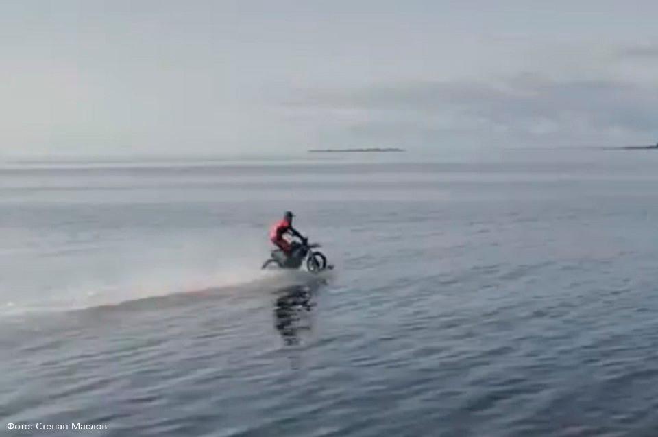 Петербуржец придумал мотоцик…