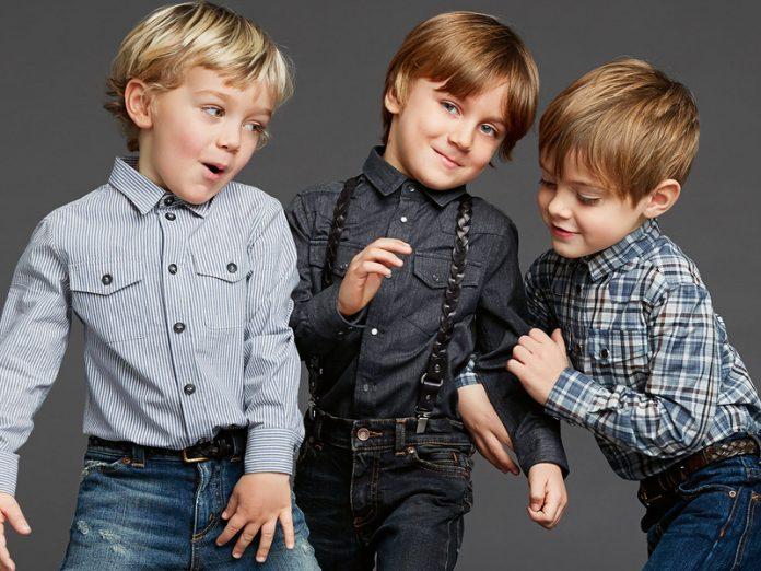 Мальчики рассуждают на дейст…