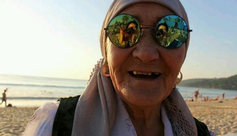 Пенсионерка ударила электрош…