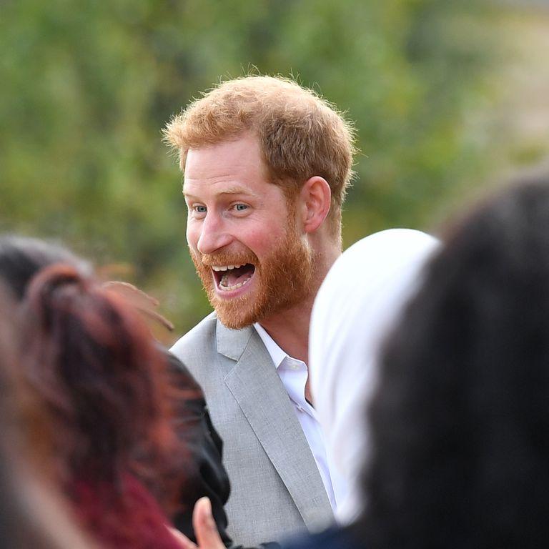 Принц Гарри хотел незаметно …