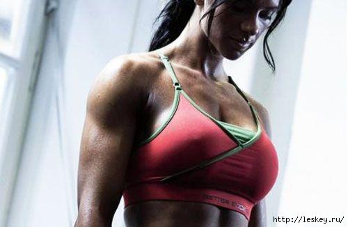 ДЕРЖИМ ФОРМУ.  Простые упражнения для красивых рук и подтянутой груди