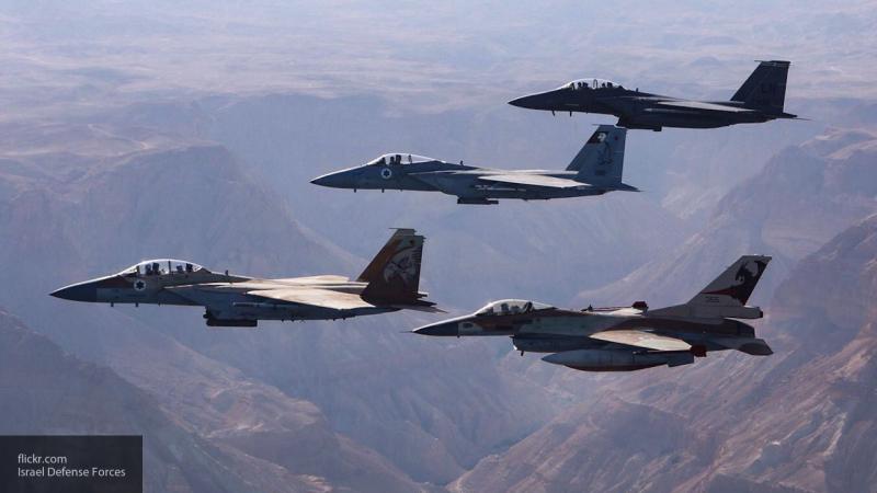 Израиль показал на видео бомбежку сектора Газа