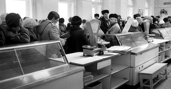 Пустые полки магазинов в период Перестройки - провокация против народа СССР