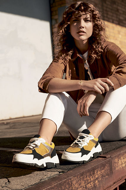 Новые детали: смотрим на обувь и аксессуары в новых лукбуках Новости моды