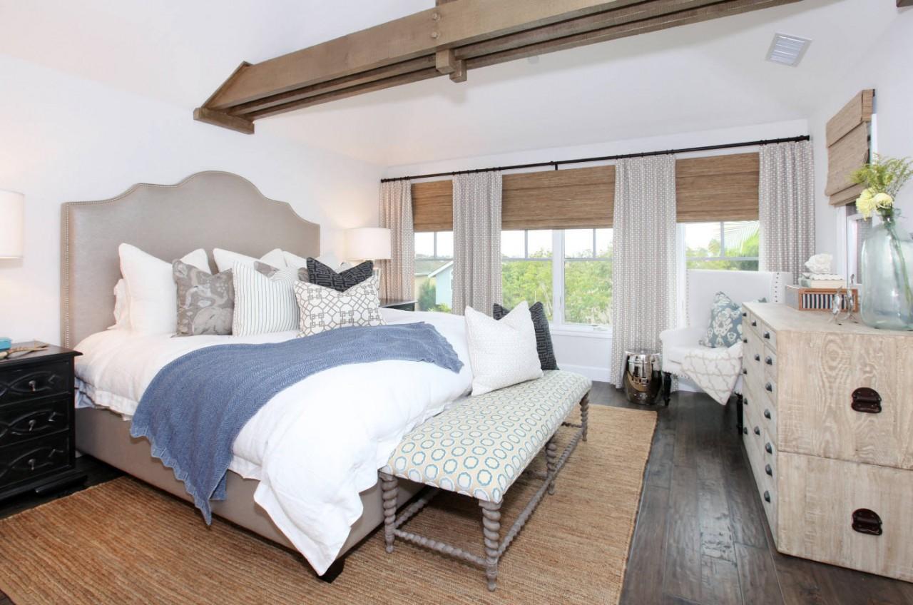 Для спальни в загородном доме