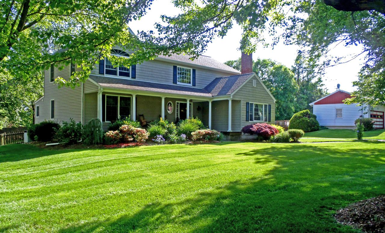Уход за садовым газоном – поддерживаем природную красоту и здоровье растений