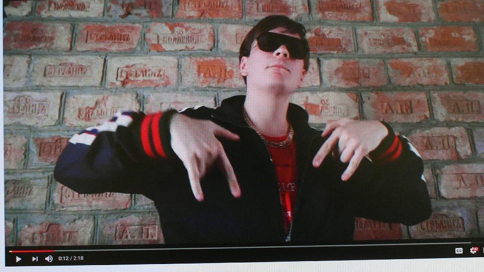 Я идеальный человек-Россия рэпер Фейс от Бургера до Мандельштама