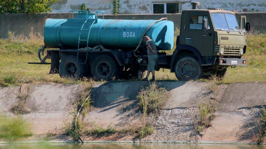 Россия может пойти на жесткие меры в ответ на водную блокаду Крыма