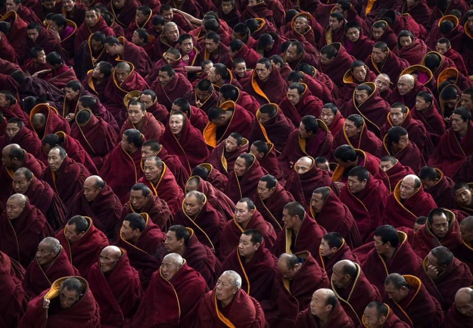 Тибетские буддисты празднуют Монлам