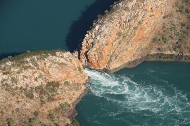 Горизонтальный водопад в Австралии (6 фото)