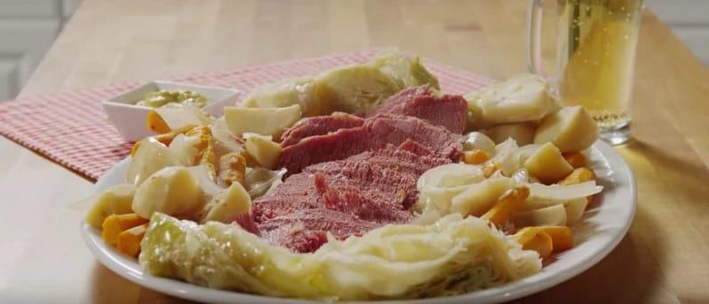 Никогда не пробовала такой вкусной тушеной капусты. Теперь готовлю только так!