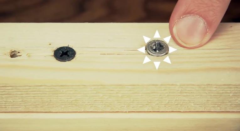 Очень простой совет, как легко выкрутить шуруп с сорванными гранями