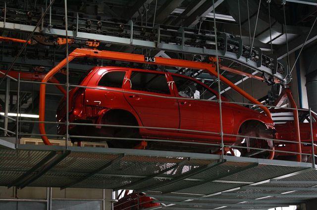 Украина введет пошлину на ввоз легковых автомобилей из России