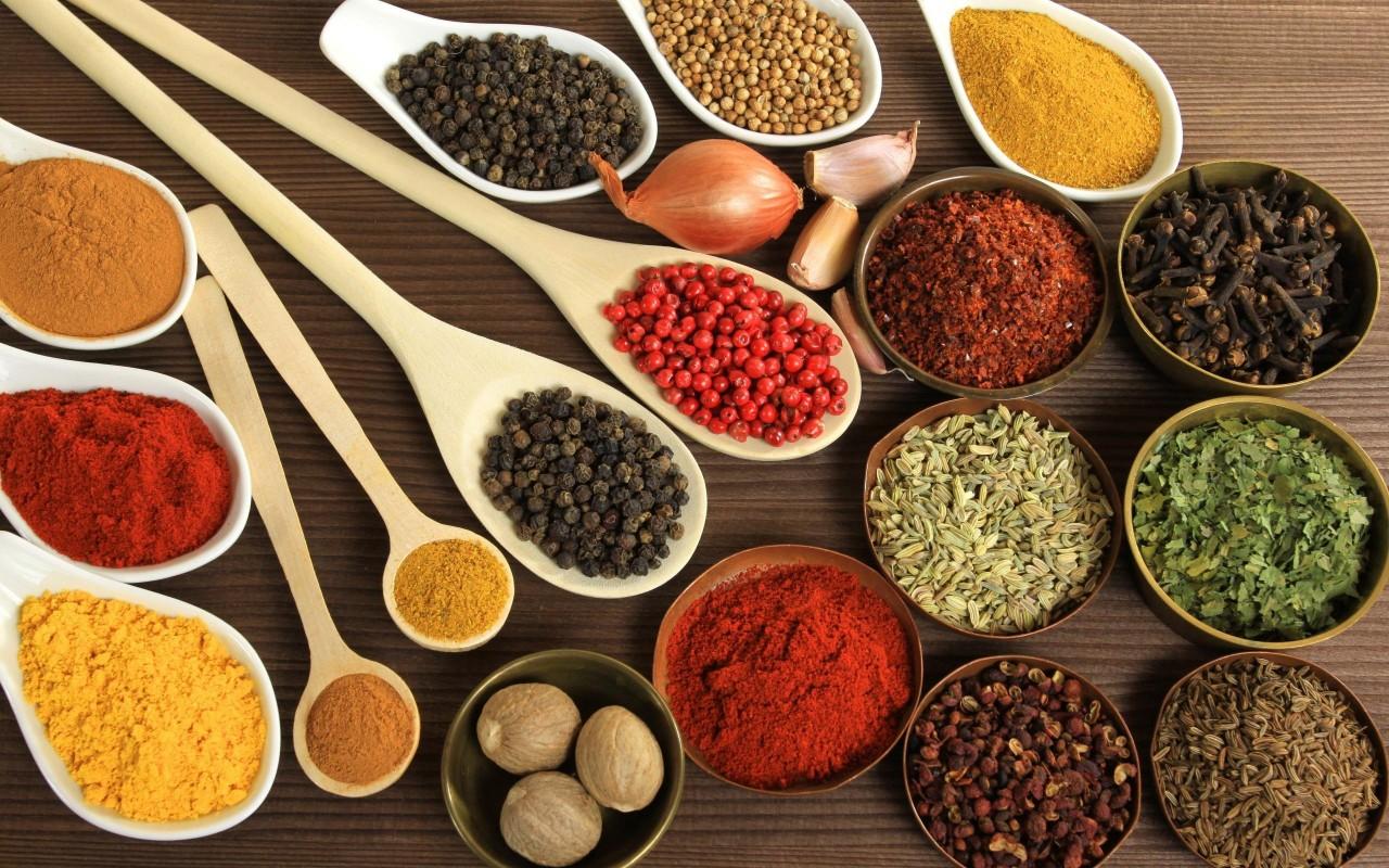 Специи, улучшающие усваиваемость пищи и меняющие характер