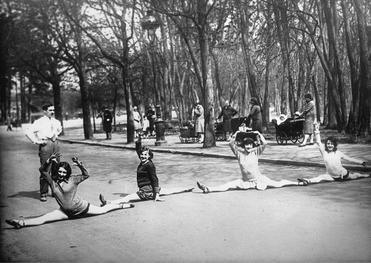 История главного кабаре в мире «Мулен Руж» в фотографиях
