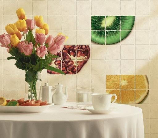Кафельная плитка с яркими вставками