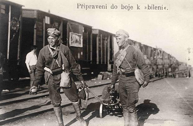 Зачем чехословацким убийцам и мародёрам ставят памятники в России