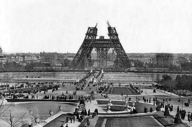 Строительство Эйфелевой башни в 1880 году
