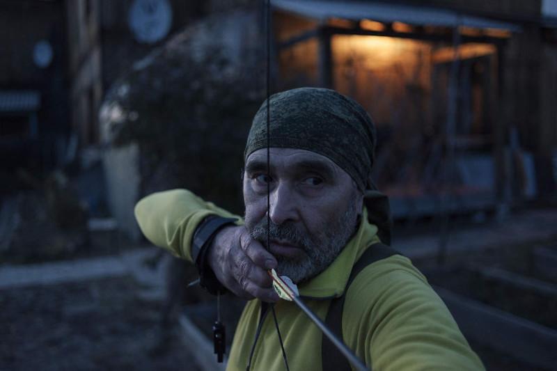 Геннадию 63 года, но он ведет удивительно активный образ жизни: занимается танцами, стрельбой из лука, греблей и многими другими видами спорта. Больше всего он любит велопрогулки. жизнь, интернет, люди, россия