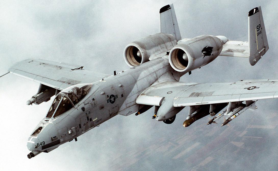 А-10: лучший истребитель танков в истории Thunderbolt, «Бородавочника», против, боевых, кампании, самолет, действиях, штурмовик, прозвище, мМасса, радиус, лБоевой, баков, топливных, кмчОбъём, скорость, пользовался, допустимая, кгМаксимально, снаряжённого