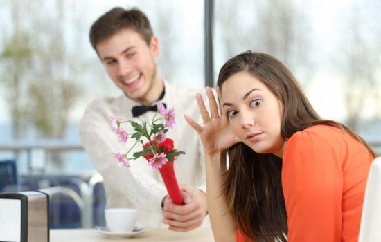 Правила первого свидания для женщин: что надеть и как себя вести