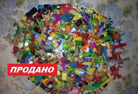 Продам игрушки Киндер - 400шт