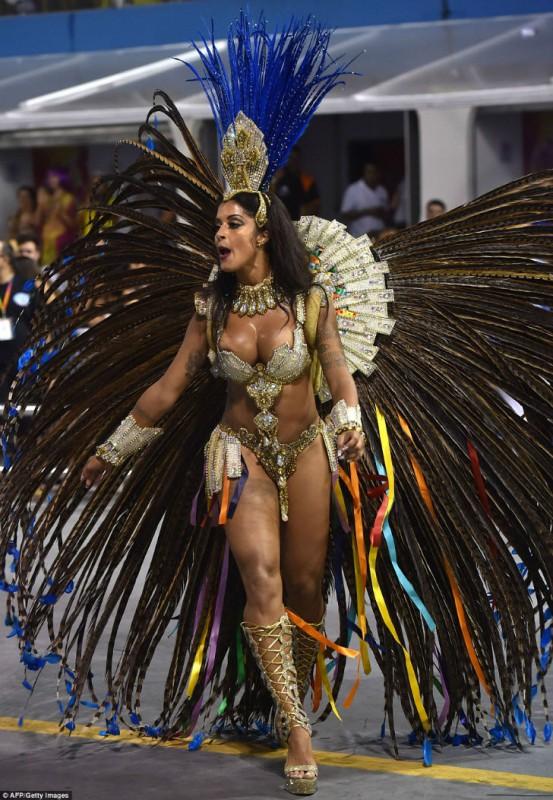 Секс порно на карнавале в рио латинос попки видео
