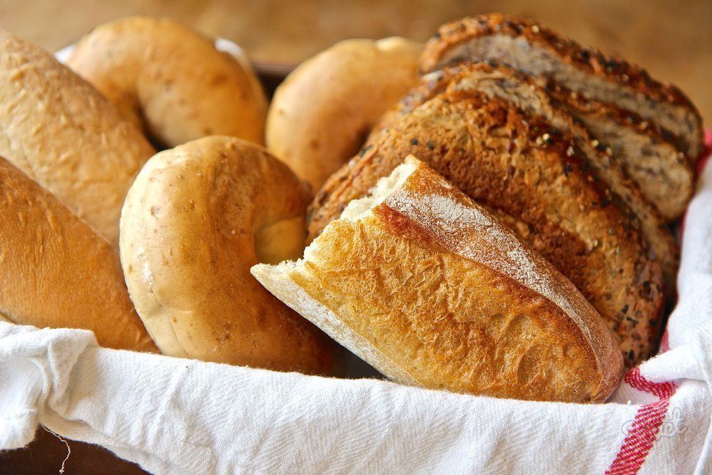 4. Освежить черствый хлеб идея, микроволновка