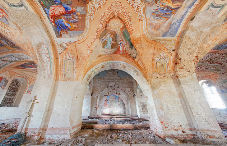 Заброшенная церковь XVIII века