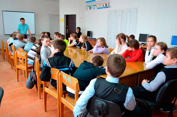 Сколько предметов ведёт один сельский учитель