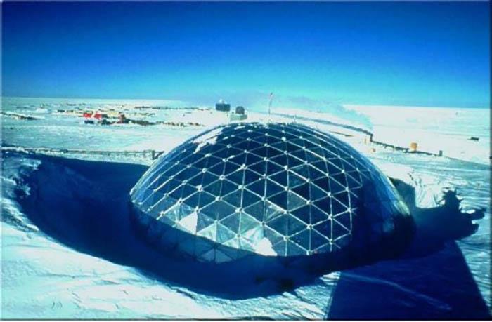 Южный полюс, Американская исследовательская станция Амундсена-Скотта