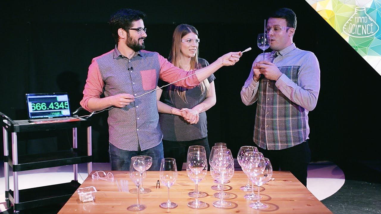 Фужер для вина можно разбить с помощью голоса. мифы, наука, разрушители легенд, юмор