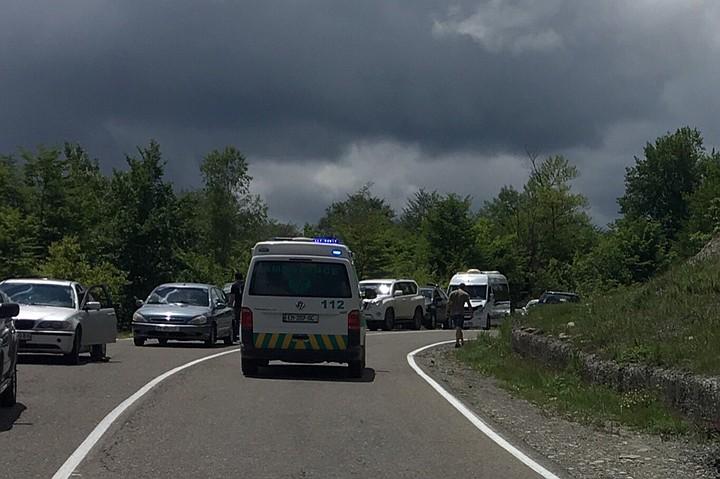 Авария с экскурсионным микроавтобусом в Грузии: погибли четыре человека