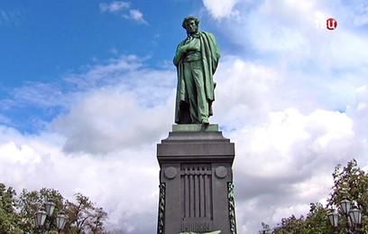 Памятнику Пушкину в Москве вернут первоначальный облик
