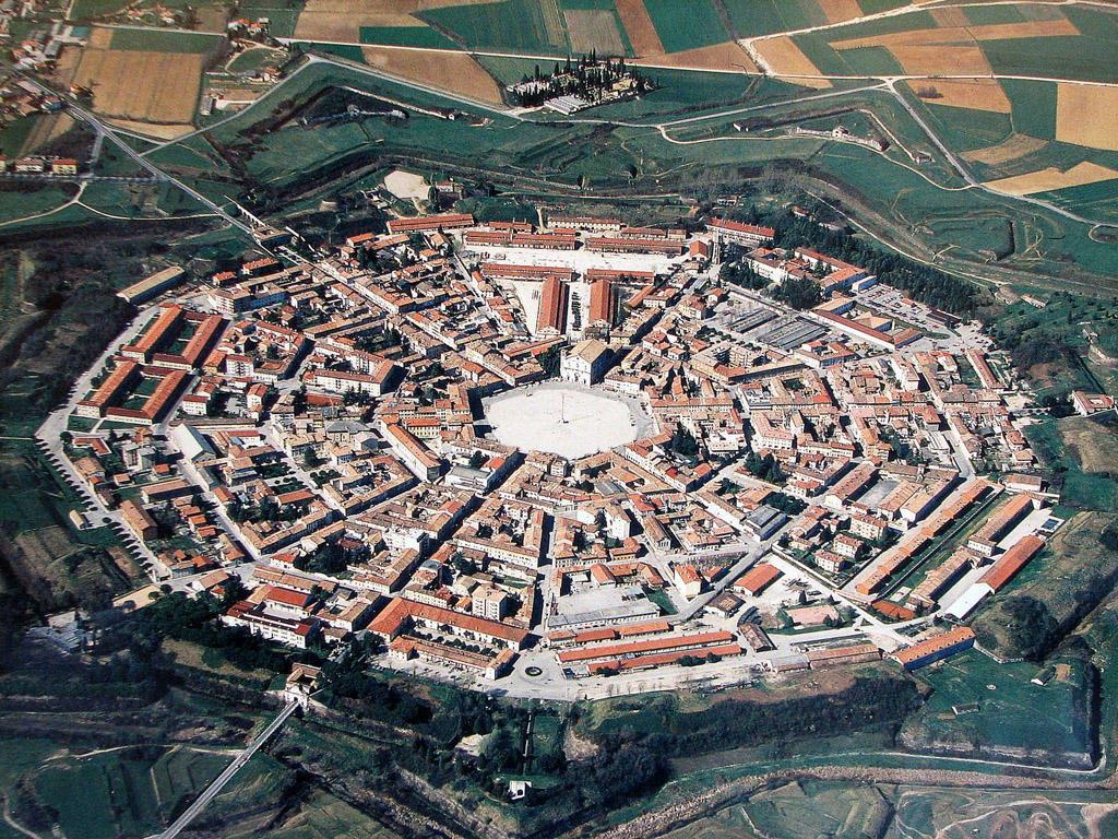 Пальманова: итальянский город-звезда
