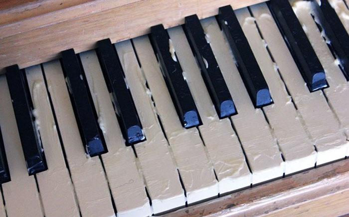 Майонез поможет пианино вернуть первозданный блеск
