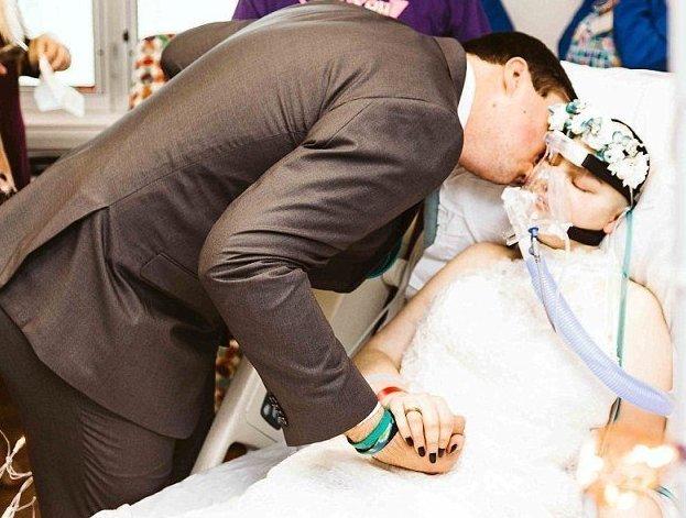 19-летняя невеста вышла замуж за любимого за три дня до смерти Любовь, первая любовь, рак, саркома, свадьба, свадьба в больнице, смерть, трогательно