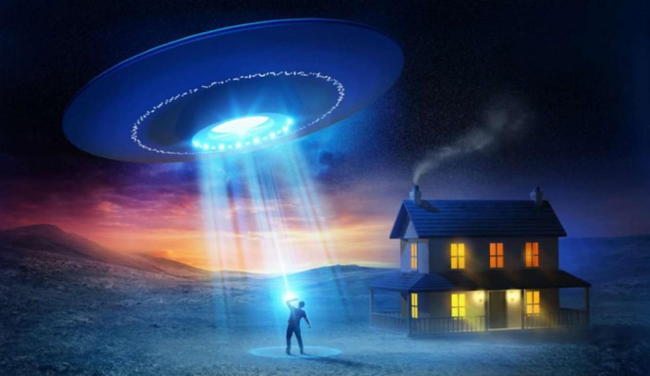 Американец после похищения инопланетянами получил способность путешествовать по разным мирам
