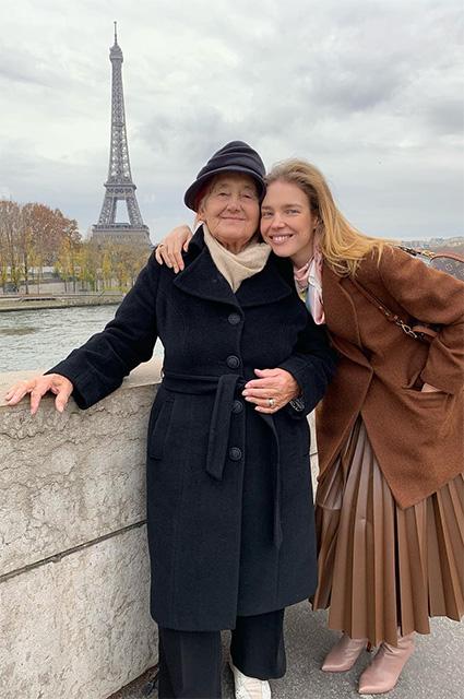 Наталья Водянова устроила бабушке экскурсию по Парижу новости