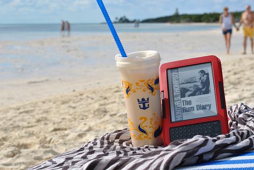 Гаджеты на пляже: советы по использованию