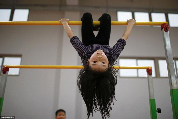 Жестокие будни инкубаторов будущих олимпийских чемпионов в Китае
