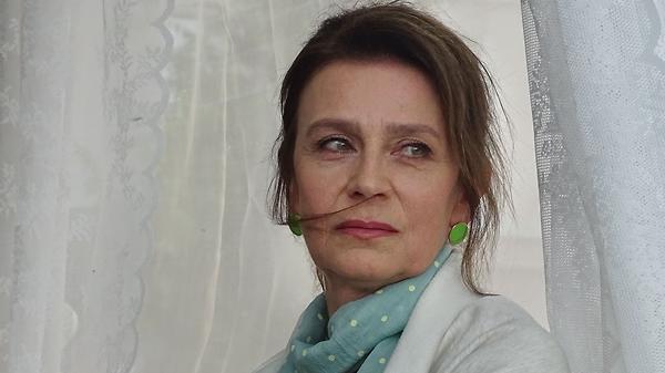 Елена Сафонова ударилась в бега