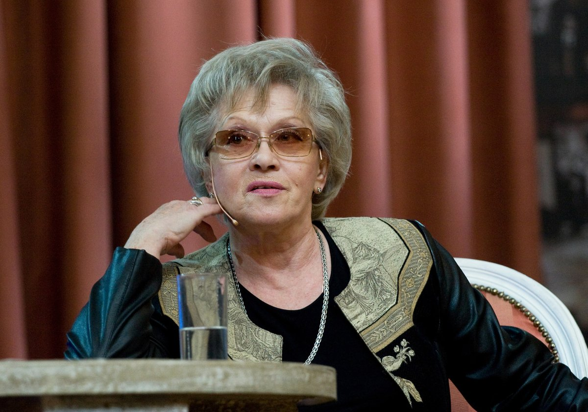 86-летнюю Алису Фрейндлих выписали из больницы, в которой она провела больше месяца