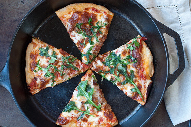 Разогревай пиццу на сковородке